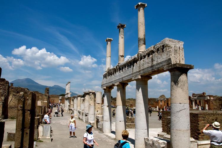 pompeii map of italy