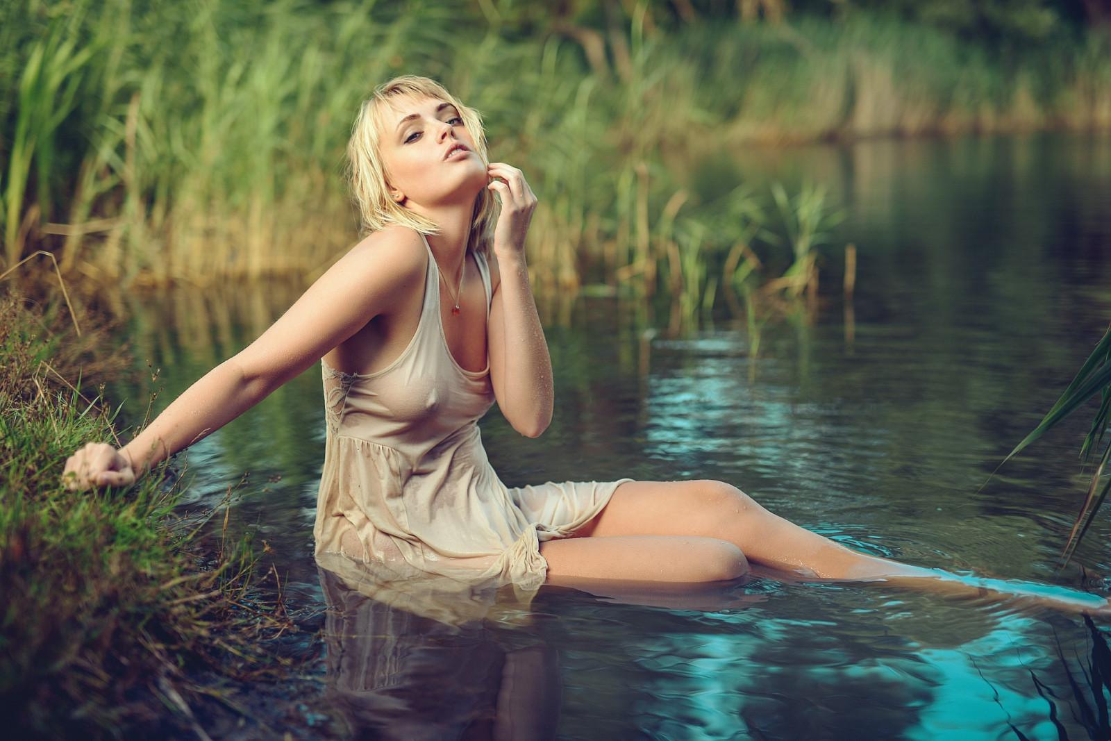 Dj Girl Wallpaper Hd Wallpaper Sunlight Women Blonde Lake Nature Short