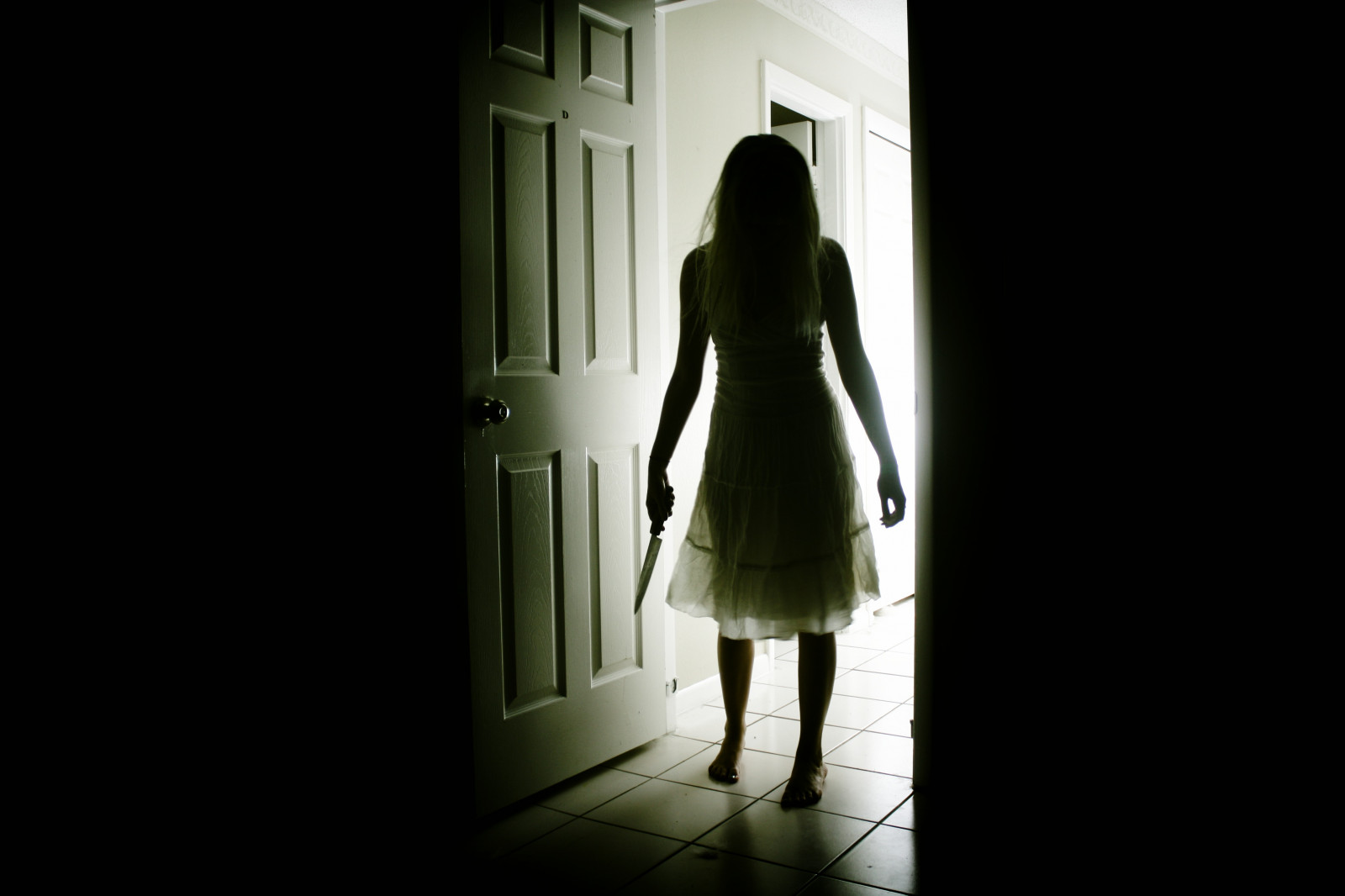 Silhouette Girl Real Wallpaper Wallpaper Creepy Horror Shadow Dress Lamp Standing
