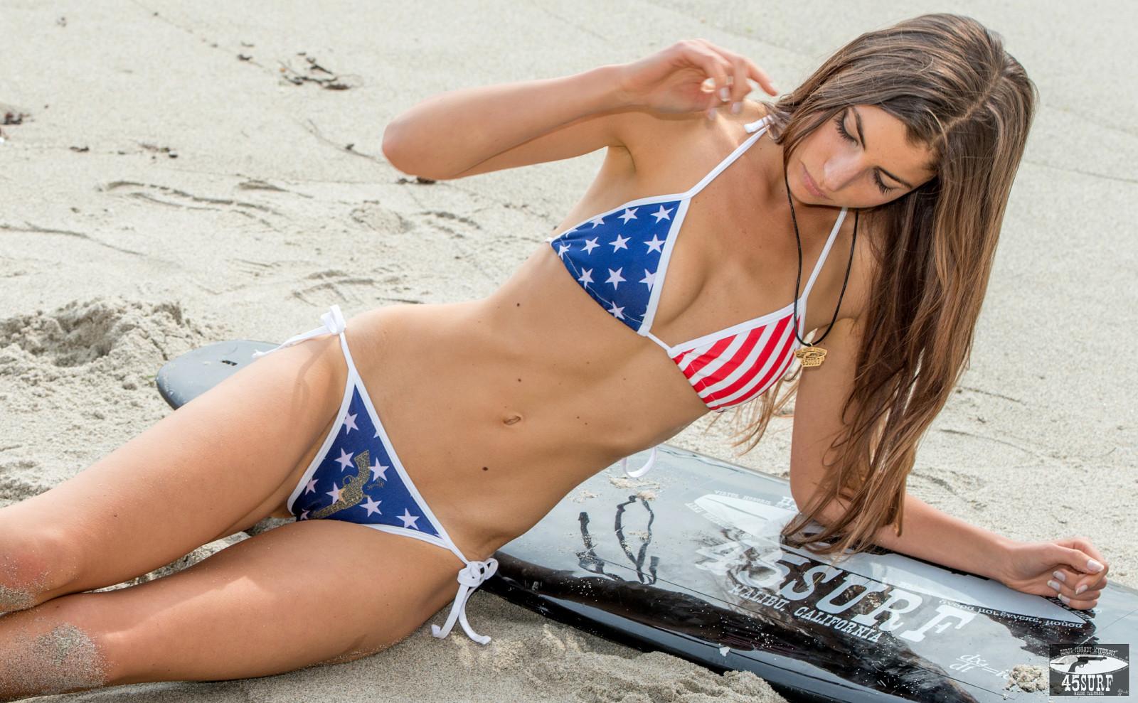 Pretty Girl Wallpaper Full Hd Wallpaper Pictures California Girls Sea Woman Brown