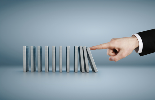 The Disastrous Domino Effect of Training Sales Managers - Salesforce