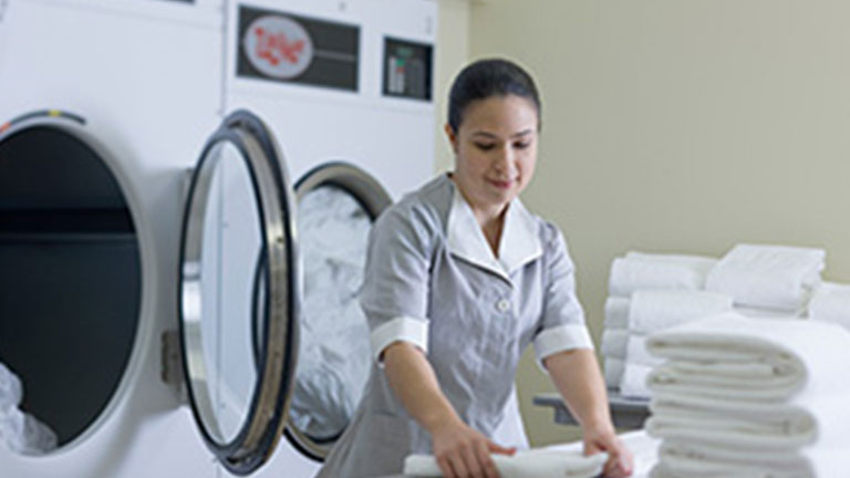 Procter  Gamble division synchronizes sales and service for