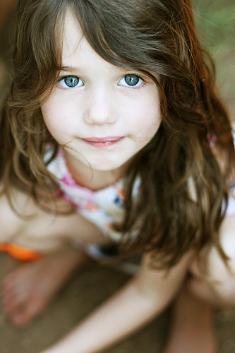 Girl Face Wallpaper For Mobile Big Blue Eyes And Dirty Feet Wearing A Pretty Dress And