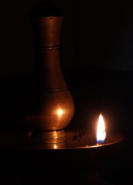 Hd Diwali Wallpapers Free Nilavilakku Nilavilakku Is A Lighted Bell Metal
