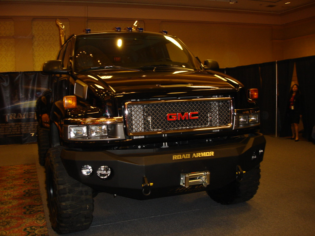 Best 3d Wallpapers For Mobile Ironhide Gmc Duramax Diesel At The Transformers Booth