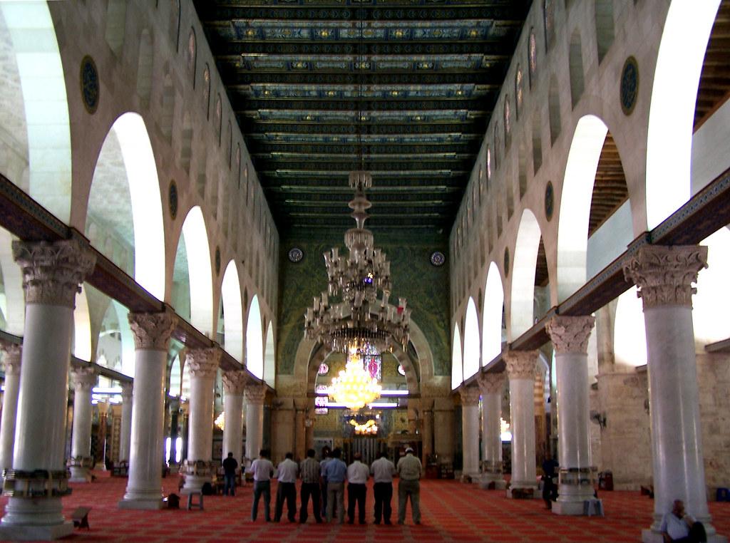 3d Interior Wallpaper Hd Inside Masjid Al Aqsa A Deep Shot Of The Inside Of