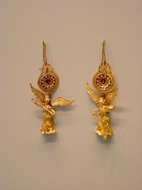 Gold Earrings with Nike Pendant Greek 225