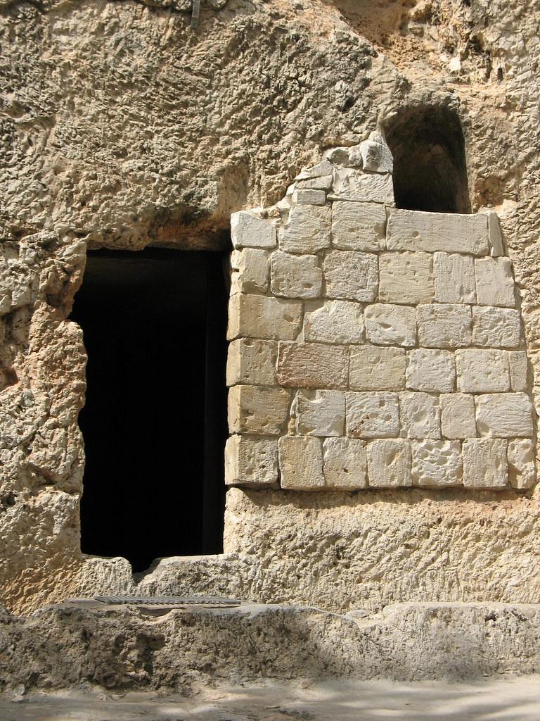 Wallpaper Jesus Christ 3d Tomb Door And Window 2034 Blogged At Christianbeliefs