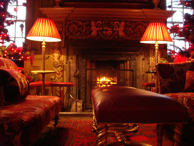 3d House Wallpaper Room Log Fire In Tapestry Room Of Edinburgh S Prestonfield Hote