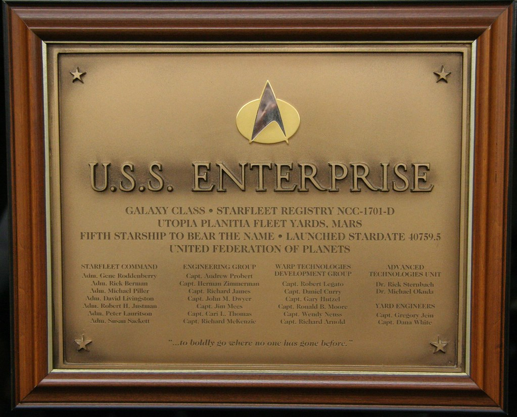 Wallpaper Minecraft 3d Uss Enterprise Ncc 1701 D Bridge Plaque Picture Of The