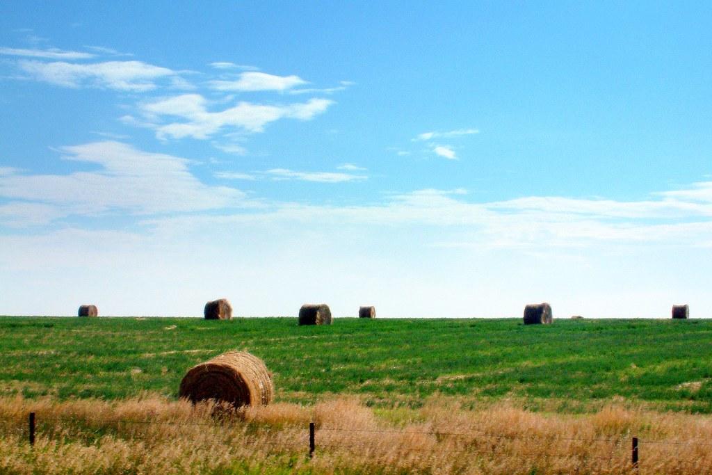 Blue Sky 3d Wallpaper Kansas Landscape I Love Hay Against The Blue Skies