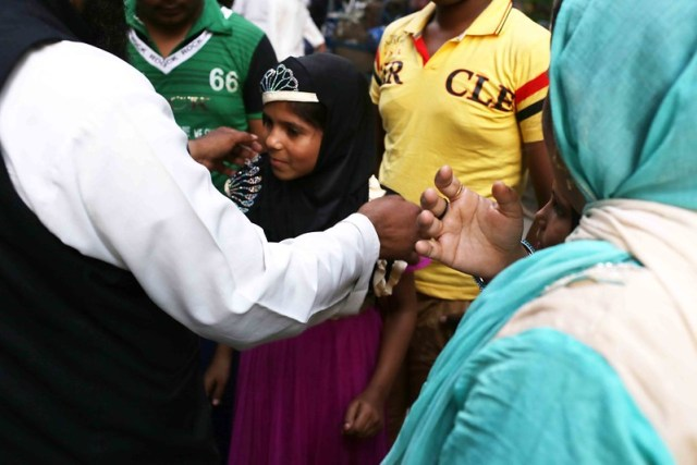 City Moment - The Little Girl's Purdah, Jamia Nagar