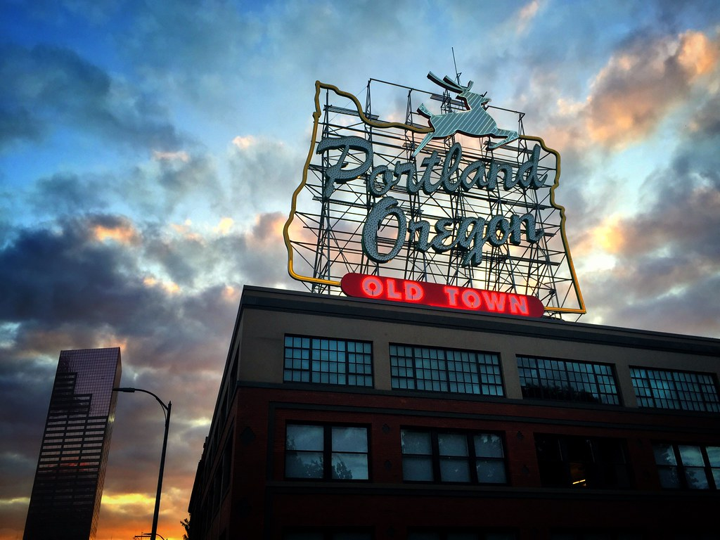 3d Welcome Wallpaper Welcome To Portland Iphone Sunset In Portland Oregon