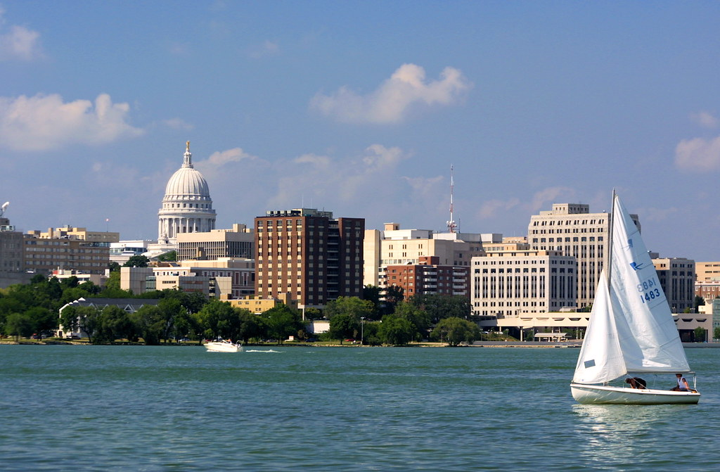 Free 3d Wallpaper Backgrounds Madison Skyline From Lake Monona Madison Is Blessed With