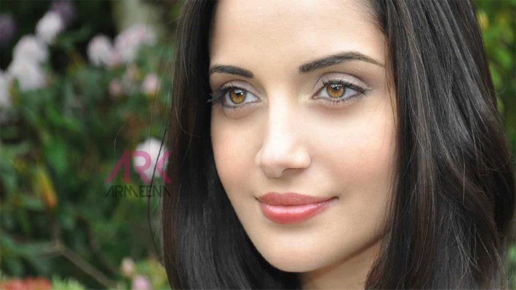 Afghan Girl Eyes Wallpaper Armeena Rana Khan Pakistani Actress Hd Wallpaper Stylish
