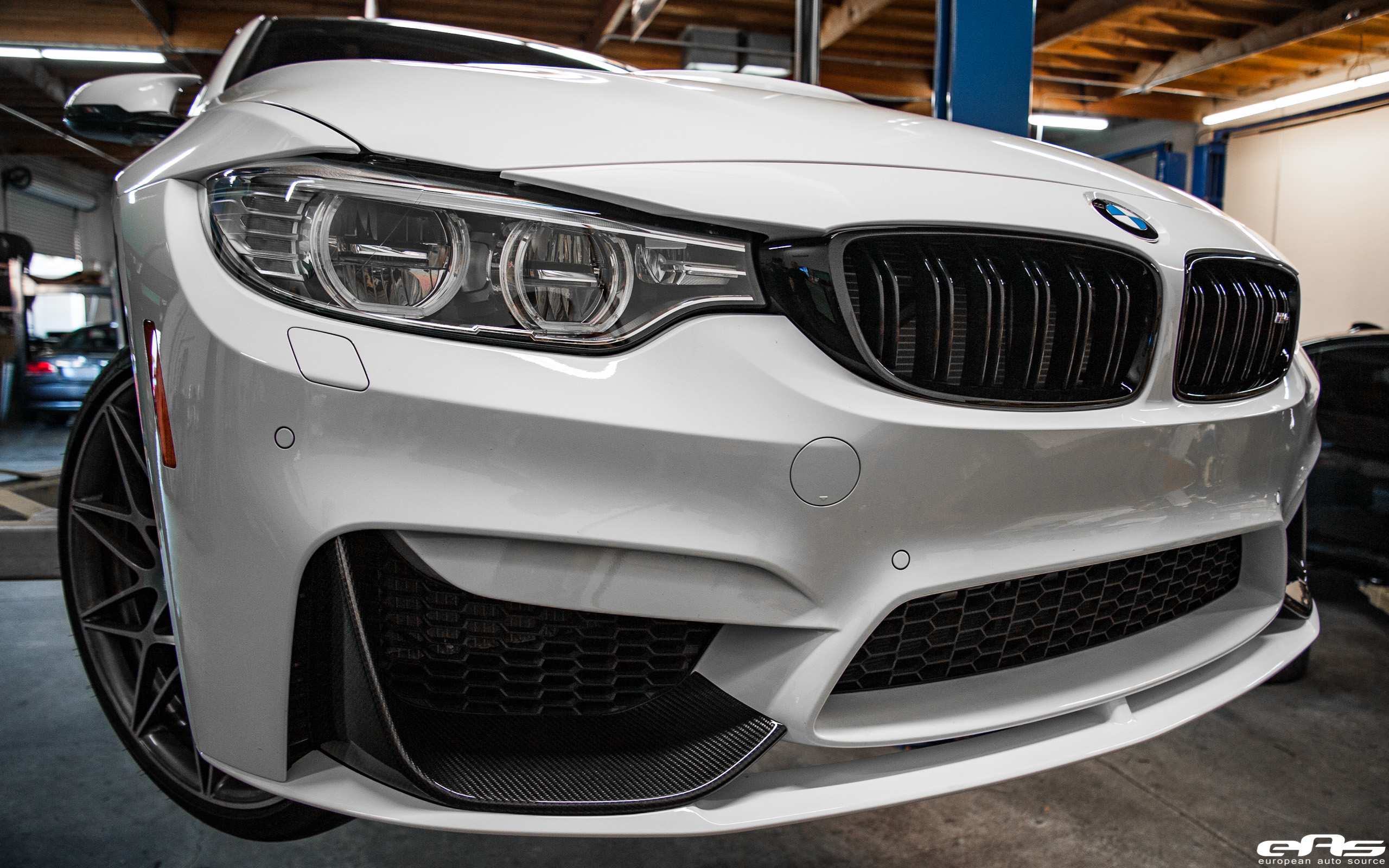 M4 Performance Exhaust Alpine White F82 M4 Competition M Performance Carbon Fiber Front