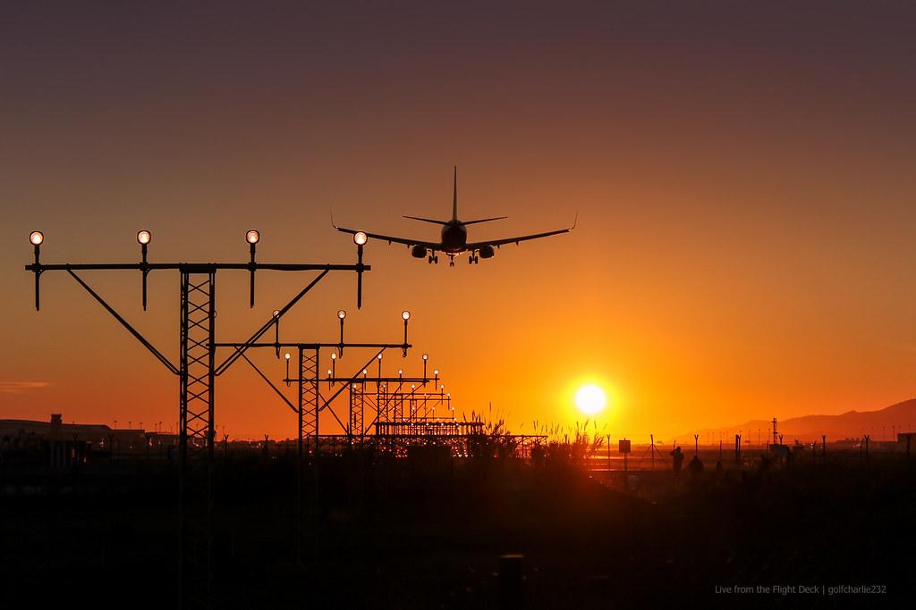 Hd Aeroplane Wallpapers For Desktop Boeing 737 Ng Sunset Landing Wallpaper Size Canon Eos