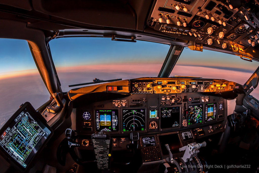 3d Golf Wallpaper For The Home Boeing 737 Cockpit Sunrise Canon 6d Tokina 10 17 F3 5