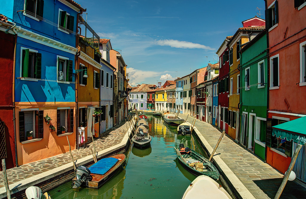3d House Wallpaper Burano Italy Burano And Murano These Are Two Different