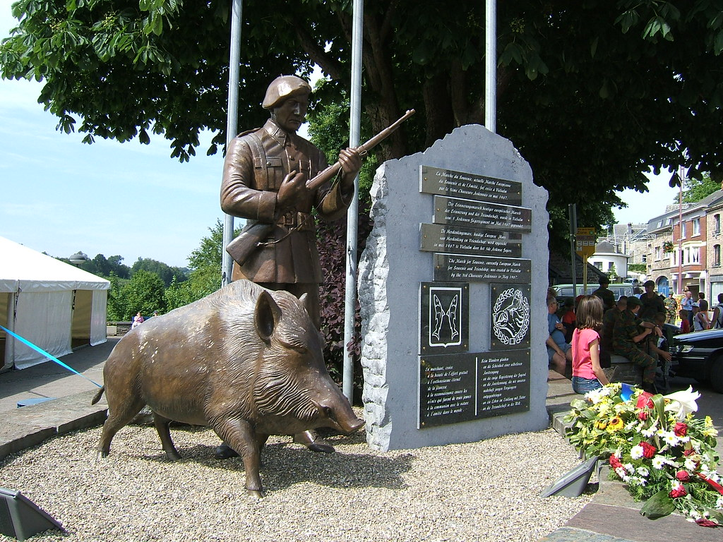 New 3d Wallpaper Chasseur Ardennais The Monument To The Chasseurs