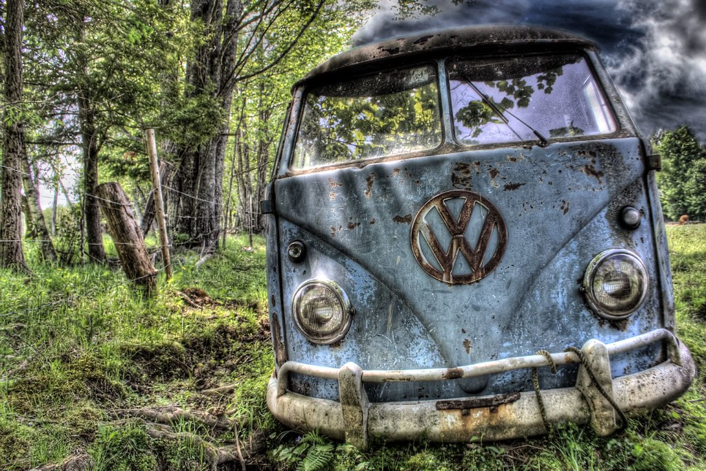 Free Hd 3d Wallpapers For Desktop Keep Smiling This Old Beat Up Vw Bus Is Left To Die In