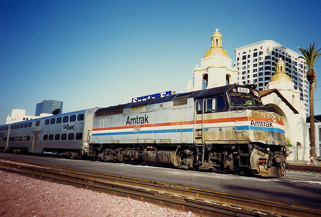 Images For Cars Wallpaper Amtrak F40 Locomotive In San Diego Pulling Caltrain