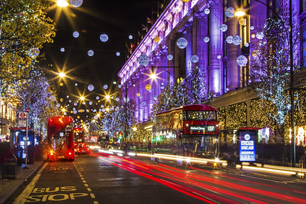 3d Wallpaper Near Me Driving Home For Christmas Oxford Street London United