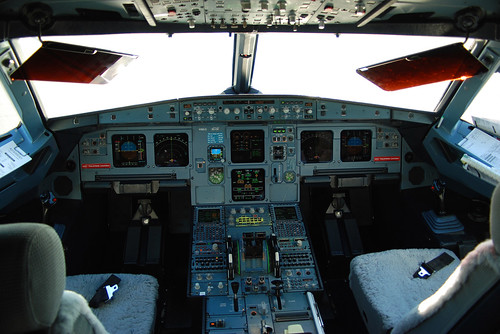 3d Perspective Wallpaper Us Airways Airbus A321 211 N186us Cockpit The Flight