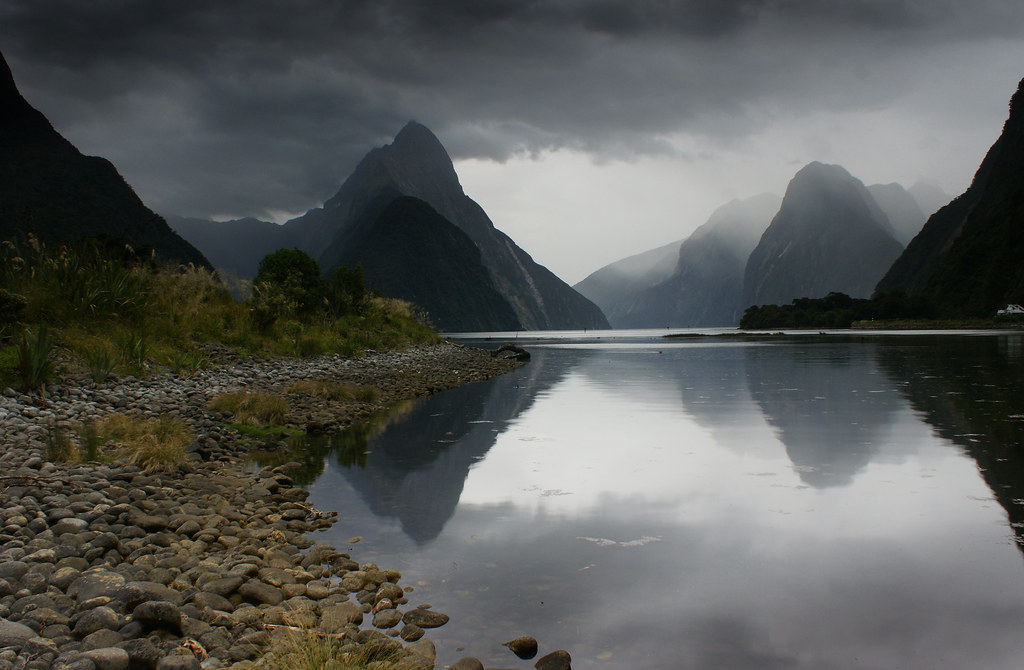 Luxury 3d Wallpaper Rain Approaching Milford Sound New Zealand One Of