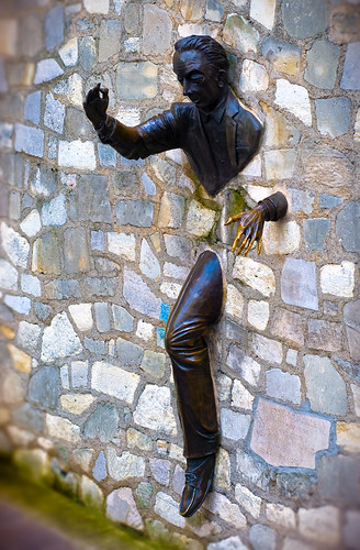 3d Wall The Man Who Could Walk Through Walls. | Bronze Sculpture
