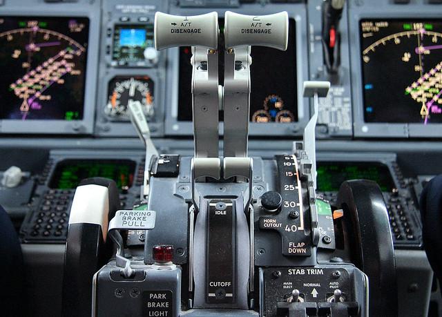 Hd Photos 3d Wallpaper Boeing 737 600 Throttle M Rg 233 Flickr