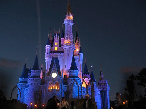Free 3d Christmas Desktop Wallpaper Walt Disney World At Night This Monument Symbolizes
