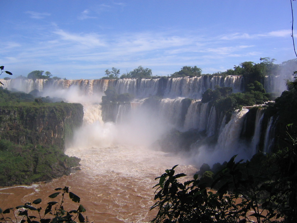 Iguazu Falls Hd Wallpaper Iguaz 250 Falls Iguaz 250 Falls On The Argentinian Border