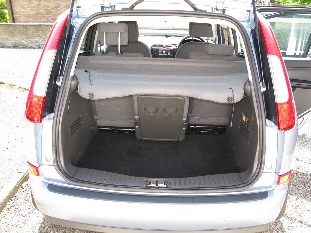 Ford C Max Boot Dimensions Ford Focus C Max 1 8 Tdci Zetec Rear With Boot Open Flickr