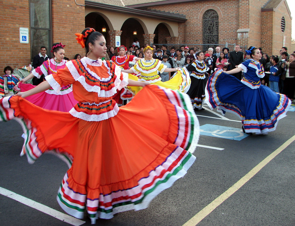 Arte Venezolano Wikipedia Mexican Folk Dancers Performing At The Catholic Church