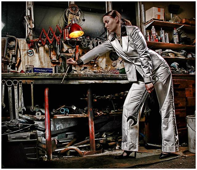 Motocross Girl Wallpaper Garage Girl 4 Strobist Info Broncolor Impact 41 At