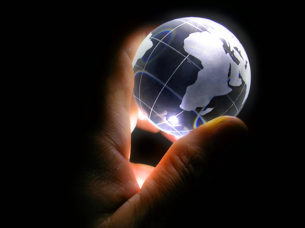 Flashlight 3d Wallpaper Globe Project 4 Of 7 I Ve Got The Whole World In My Han