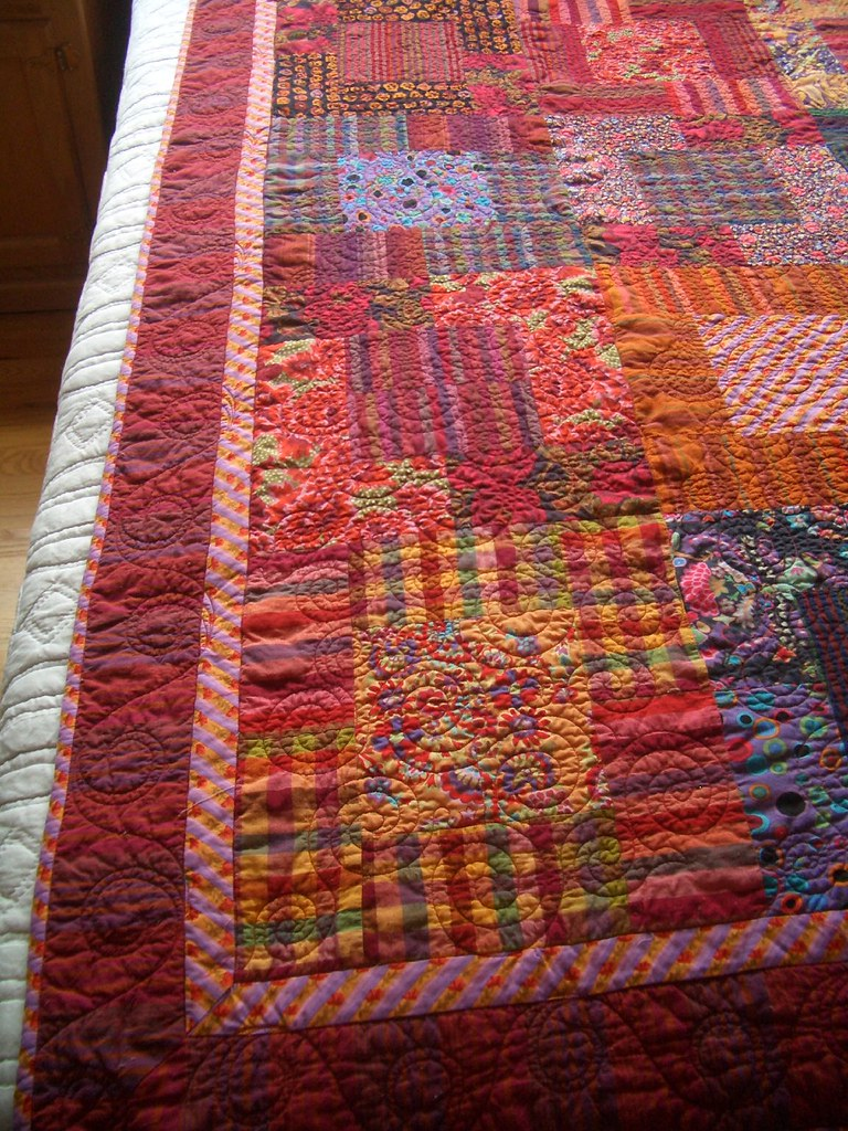 Moderne Quilts Kaffe Reds Up Close And Personal Of Borders And Quilting Flickr