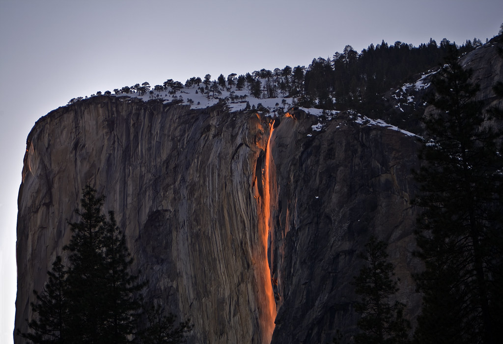 Free 3d Fall Wallpaper Horse Tail Falls Yosemite S Natural Fire Fall Horsetail