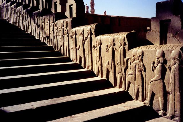 Stores That Have 3d Wallpaper Nov 00 Medes Climbing The Apadana Staircase Persepolis