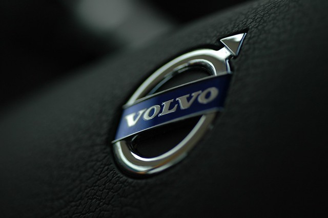 Wallpaper Hd Wallpaper Volvo Logo Volvo Logo From Middle Of Steering Wheel