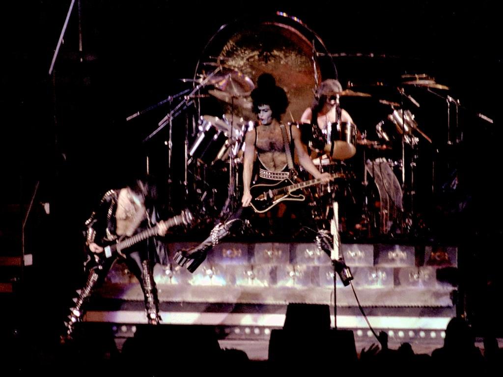 God Live Wallpaper Hd Kiss 1977 Msg Nyc 14 Kiss Madison Square Garden