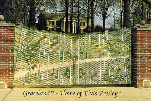 Elvis 3d Wallpaper The Gates Of Graceland Memphis Tn Nhl Karyn Schronski