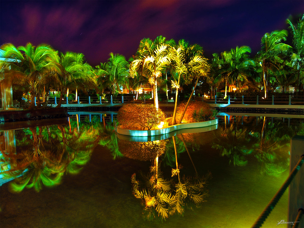 3d Clock Wallpaper Tropic Cuban Resort At Night Paul Bica Flickr