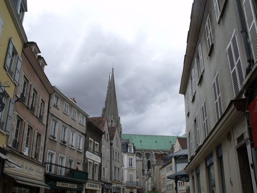Pavé De Rue Chartres Rue Des Changes Chartres Looking Back At The Cathedral