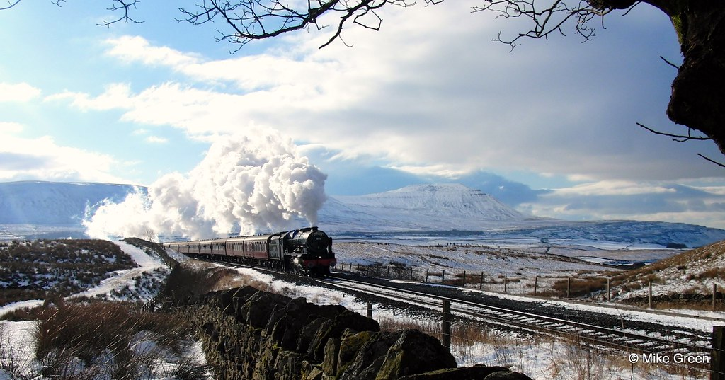 Free Falling Snow Wallpaper Steam Train Crossing Ribblehead Viaduct Steam Train Just