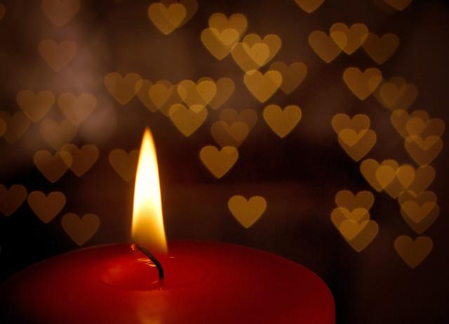 Flash Wallpaper Hd Heart Lights Heart Shaped Bokeh Created By Holding A