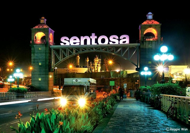 My Photo Wallpaper 3d Gateway To Sentosa Resort Island Singapore A Night