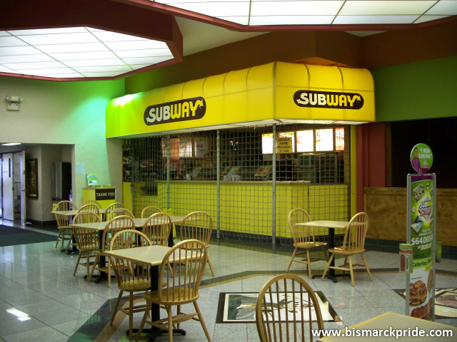 Stores That Have 3d Wallpaper Closed Subway Restaurant At Gateway Fashion Mall Bismarc