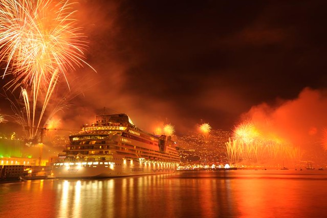 3d River Wallpaper Madeira Funchal New Year S Fireworks Madeira Portugal